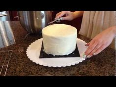 HOW TO FROST A CAKE (use a paper towel to smooth it)
