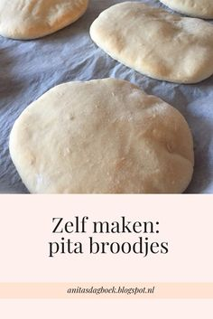 Bread Bun, Bread Cake, Cooking Bread, Bread Baking, Snack Recipes, Cooking Recipes, Snacks, Food Crush, Dutch Recipes