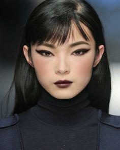 Xiao Wen Ju at Salvatore Ferragamo Fall 2013 Runway Makeup, Beauty Makeup, Eye Makeup, Hair Makeup, Hair Beauty, Runway Hair, Makeup Inspo, Makeup Inspiration, Pretty People
