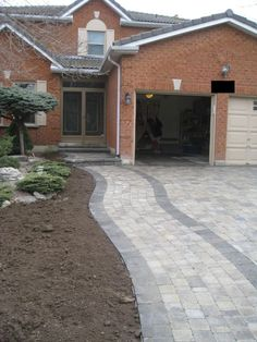 "See our internet site for additional details on ""fire pit diy easy"". It is actually a great area to find out more. Brick Driveway, Driveway Design, Driveway Ideas, Brick Wall Gardens, Home Landscaping, Landscaping Design, Patio Plants, Diy Fire Pit, Driveways"