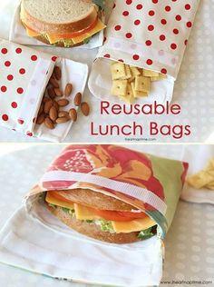 Reusable Lunch Bags (sewing tutorial) Diy Projects For The Home Bags Lunch Reusable sewing Tutorial Sewing Patterns Free, Free Sewing, Sewing To Sell, Kids Patterns, Craft Tutorials, Sewing Tutorials, Lunch Bag Tutorials, Tutorial Sewing, Diy Couture Cadeau