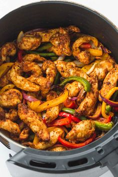 Super easy and flavorful chicken fajitas made quickly in the Air Fryer! The chicken is succulent and bursting with flavor. New Air Fryer Recipes, Air Frier Recipes, Air Fryer Dinner Recipes, Pork And Beef Recipe, Homemade Fajita Seasoning, Cooking Recipes, Healthy Recipes, Eat Healthy, Yummy Recipes
