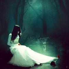 'Snow White' by 'MelyannaM' on DeviantART