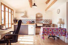 Ganhe uma noite no CHARMANT STUDIO AVEC TERRASSE - Apartamentos para Alugar em Marselha no Airbnb!