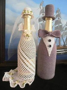 wedding bottle decoration,decorative bottles,bride and groom wine bottle covers,pimped bottles wedding,wedding decoration Wine Bottle Covers, Wine Bottle Art, Wine Bottle Crafts, Yarn Crafts, Diy And Crafts, Crochet Jar Covers, Wedding Wine Bottles, Crochet Wedding, Crochet Home