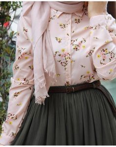 New Skirt Outfits Hijab Long 57 Ideas – Hijab Fashion Modest Fashion Hijab, Modern Hijab Fashion, Islamic Fashion, Muslim Fashion, Skirt Fashion, Fashion Outfits, Modest Dresses, Modest Outfits, Skirt Outfits