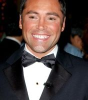 Oscar De La Hoya is a Mexican-American boxing champion 1992 Olympics, Summer Olympics, American Boxer, Famous Mexican, Professional Boxing, The Golden Boy, East Los Angeles, Gold Gloves, Boxing Champions