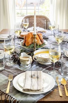 Tips for cozy Thanksgiving table decor on a budget   free printable cooking schedule