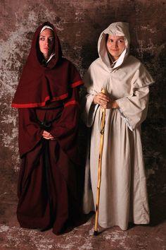 8f191deb3b Men s Medieval Monk s Robe   Hood (Off-White Osnenberg Cotton) Costume Garb  SCA LARP Renaissance Floor-Length Shirt Tunic Surcoat