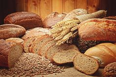 Most likely, bread is an important element of your diet. But can you keep eating bread after being diagnosed with a fatty liver? That's exactly what we're going Gluten Free Recipes, Baking Recipes, Bread Recipes, Types Of Bread, Fatty Liver, Bagels, How To Make Bread, Bread Baking, Breakfast