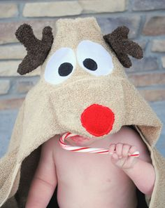 Amber from Crazy Little Projects has a new hooded towel tutorial to share with us. This time it's a reindeer hooded towel. How cute is he with his reindeer antlers and bright shiny nose! Christmas Sewing, Diy Christmas Gifts, Handmade Christmas, Christmas Decorations, Christmas Ornaments, Easy Sewing Projects, Sewing Hacks, Sewing Patterns Free, Free Sewing
