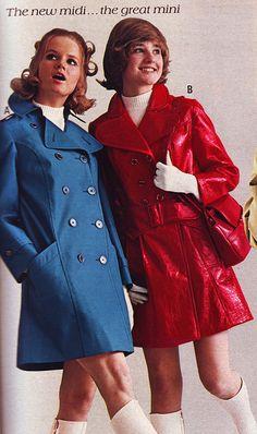 Red Raincoat, Vinyl Raincoat, 70s Fashion, Teen Fashion, Vintage Fashion, Vintage Style, Twist And Shout, Fashion Catalogue, Rain Wear