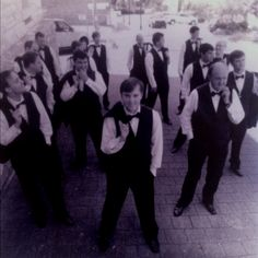 Love this idea for the grooms pics