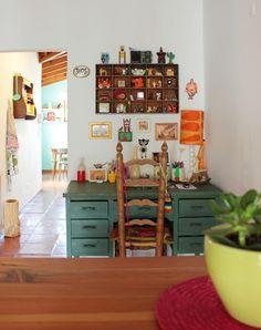 Ana, Pablo y Clara. Casa en un primer piso, con patio y tres habitaciones. En Colegiales, Ciudad de Buenos Aires.