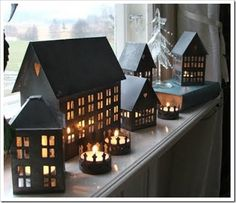 Zink isn't good only for our immune system, it also does great wonders for interior decorating. I love the little Zink houses! Vintage Christmas Crafts, Noel Christmas, Country Christmas, Christmas Decorations, Holiday Decor, Winter Christmas, Christmas Ornaments, Tin House, Home Candles