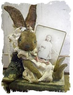 Antique Style ★ Shabby Vintage Rabbit - Whendi's Bears