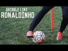 Learn Ronaldinho's signature skills with this step by step tutorial. In this video you can learn 5 of Ronaldinho's dribbling skills so you can dribble like t. Soccer Dribbling Drills, Football Drills, Football Soccer, Soccer Ball, Soccer Coaching, Soccer Training, Fitness Motivation, Jon Jon, Workout Routines