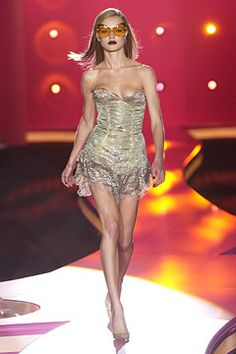 Versace | Fall 2002 Couture Collection | Style.com