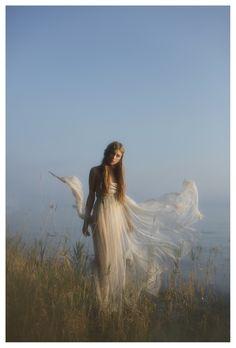 Vivienne Mok, ethereal - she looks like a fairy! Fantasy Kunst, Fantasy Art, Fantasy Photography, Fashion Photography, Ethereal Photography, Photography Ideas, Artistic Photography, Creative Photography, Belle Photo