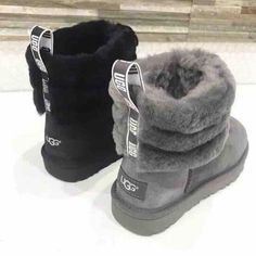 It's always UGG® season. Find the perfect boots, slippers, sneakers, and sandals to complete your look - from statement fluffy platforms to cozy house shoes, we have you covered. Dr Shoes, Hype Shoes, Me Too Shoes, Shoes Sneakers, Sneakers Fashion, Cute Uggs, Heeled Boots, Bootie Boots, Ankle Boots