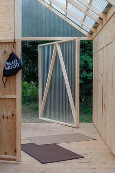 On the occasion of the Hello Wood Festival Hungría, IR arquitectura designed a flexible, miniature passive-house concept in the form of their Cabin Modules. Timber Window Frames, Timber Windows, Shed Design, Cabin Design, House Design, Modular Cabins, Mountain Home Exterior, Rustic Exterior, Prefab