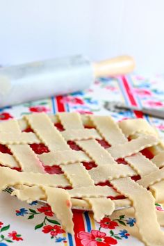 Discover the surprising ingredient for the best flaky pie crust in this fresh raspberry pie recipe from Jenna Weber of Eat, Live, Run. Easy Raspberry Pie Recipe, Gluten Free Desserts, Delicious Desserts, Apricot Pie, Pbs Food, Best Pie, Pie Crust Recipes, Sweet Treats, Favorite Recipes