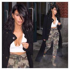 Kim Kardashian Rocks Sports-Bra Look In Snowy NYC. It was no sun, no shirt, no problem for Kim Kardashian this week! Fashion Idol, Camo Fashion, Fashion Killa, Camouflage Fashion, Women's Fashion, Kardashian Style, Kardashian Jenner, Kardashian Fashion, Kardashian Photos