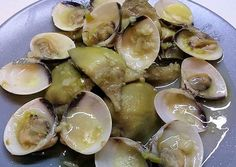 Alcachofas con Almejas Spanish Food, Sprouts, Recipies, Fruit, Vegetables, Cooking, Spanish Dishes, Meals With Vegetables, Recipes With Vegetables