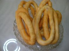 Greek Cooking, Onion Rings, Greek Recipes, Sausage, Bacon, Food And Drink, Meat, Breakfast, Cake