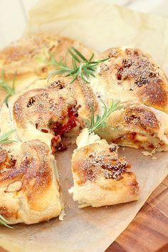 Bread Bun, Bacon, Our Daily Bread, Swedish Recipes, Bread Baking, I Love Food, Chocolate Recipes, Baked Goods, Baking Recipes