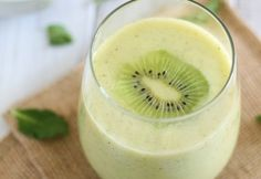 Ananas Smoothie met kiwi en munt