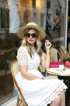 Parisian Flare ~ Suburban Faux-Pas straw boater hat with white cotton lace- YES! Outfits With Hats, Mode Outfits, Paris 3, Paris Cafe, Cute Simple Outfits, Look Girl, Parisian Chic, Mode Style, Spring Summer Fashion