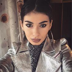 645 aprecieri, 4 comentarii - MARISA PALOMA (@marisa.paloma) pe Instagram Beautiful Women, Hoop Earrings, Woman, Jewelry, Instagram, Style, Fashion, Swag, Moda