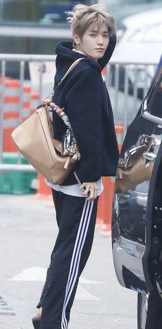 Lee Taeyong, Nct 127, Sims, Bae, Jaehyun Nct, Manga Boy, Kpop Fashion, Airport Fashion, Airport Style