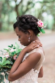 Pastel Wormsloe Plantation Bridal Portraits - Coastal Bride