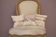 Pearl and Co Wedding Ring Pillow/ Cushion in vintage cream linen mix with lilac lace and cream / champagne satin ribbon 'Lily'