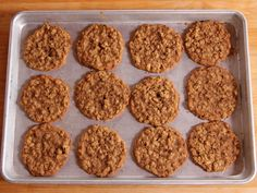 Brown Sugar Oatmeal Cookies recipe from Ree Drummond via Food Network (brown sugar cookies recipe) Oatmeal Cookie Recipes, Cookie Desserts, Just Desserts, Delicious Desserts, Easy Oatmeal Cookies, Yummy Oatmeal, Oatmeal Bars, Cookie Favors, Sweet Desserts