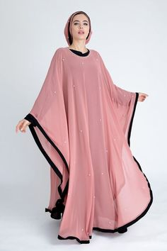 Renew your wardrobe with these, new abaya style which will enhance your personality. We have come with 50 different abaya style 2020 that will make you Islamic Fashion, Muslim Fashion, Modest Fashion, Fashion Outfits, Uk Fashion, New Abaya Style, Hijab Style Dress, Abaya Mode, Mode Hijab