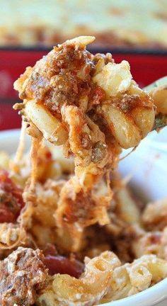Million Dollar Pasta Bake - This million dollar pasta bake is definitely comfort food at it's best! This pasta bake is to die for! Baked Pasta Recipes, Healthy Pasta Recipes, Beef Recipes, Cooking Recipes, Cooking Ideas, Noodle Recipes, Yummy Recipes, Baked Pasta Dishes