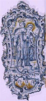 Do Tempo da Outra Senhora: Nossa Senhora no Azulejo Português -  Nossa Senhora do Carmo (1770-1780). Painel de azulejos (195 x 91 cm). Fabrico de Coimbra. Museu Nacional do Azulejo, Lisboa.