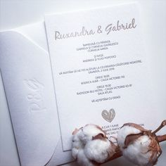 White + gold for a special wedding suite