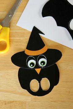 Halloween Paper Puppet Printables PDF saved. X