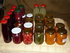 Kenyércsücsök: Befőzés géppel Salsa, Jar, Food, Meal, Salsa Music, Restaurant Salsa, Essen, Jars, Hoods