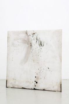 color palette - white and texture Andrea de Stefani - Nel mentre che ovunque si affaccia, 2009 Contemporary Abstract Art, Modern Art, Kunst Online, Encaustic Art, White Art, Love Art, Museum, Art Inspo, Art Photography