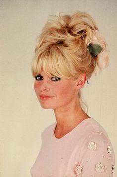 HAIR  Brigitte Bardot