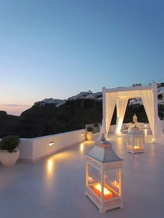 Santorini weddings by Dana Villas, Sunset ceremony and private dinner reception venue, wedding ceremony Santorini, wedding and event planning Dana Villas Santorini, Santorini Greece, Romantic Places, Beautiful Places, Romantic Weddings, Tulum, Honeymoon Spots, Greece Travel, Greek Islands
