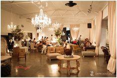 ideas for decor Wedding Coordinator, Wedding Venues, Wedding Photos, Wedding Inspiration, Wedding Ideas, Indoor Outdoor, Table Settings, Lounge, Wedding Photography