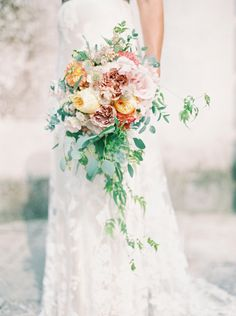 Georgia Era style: http://www.stylemepretty.com/2015/08/31/romantic-whimsical-georgian-era-wedding-inspiration/ | Photography: Zosia Zacharia - http://www.zosiazacharia.com/