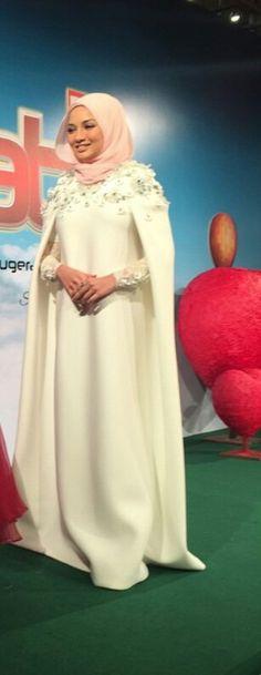 Pinned via Nuriyah O. Martinez | Neelofa | Dress cape white! Approve! Love!