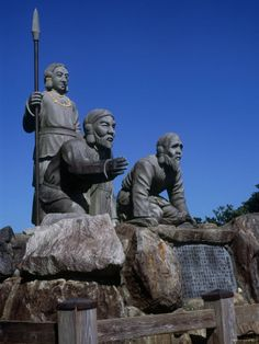 Japan, statues-of-shinto-gods